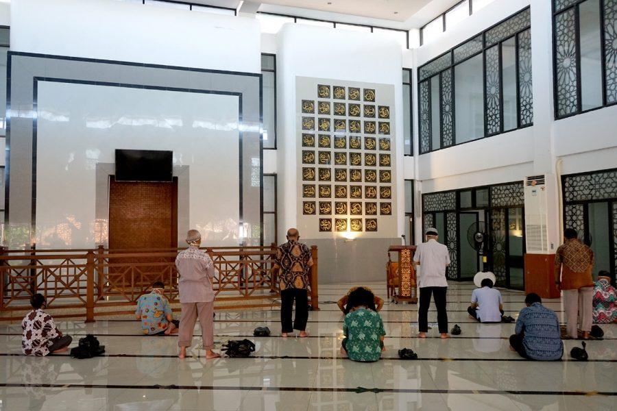 Dok. pelaksanaan salat jemaah di Masjid Al-Muhajirin Surabaya | Istimewa