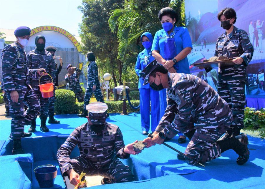 Acara peletakan pertama pembangunan monumen KRI Nanggala-402 | Foto: Dispen Koarmada II