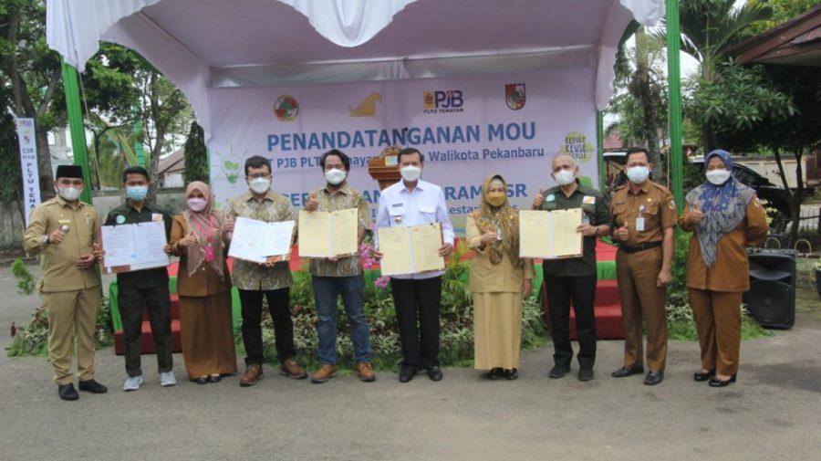 Penandatangan nota kesepahaman antara Pemkot Pekanbaru dengan UBJOM Tenayan yang berisi kerjasama pada sejumlah sektor | dok/photo: Humas PT PJB /Bicara Indonesia